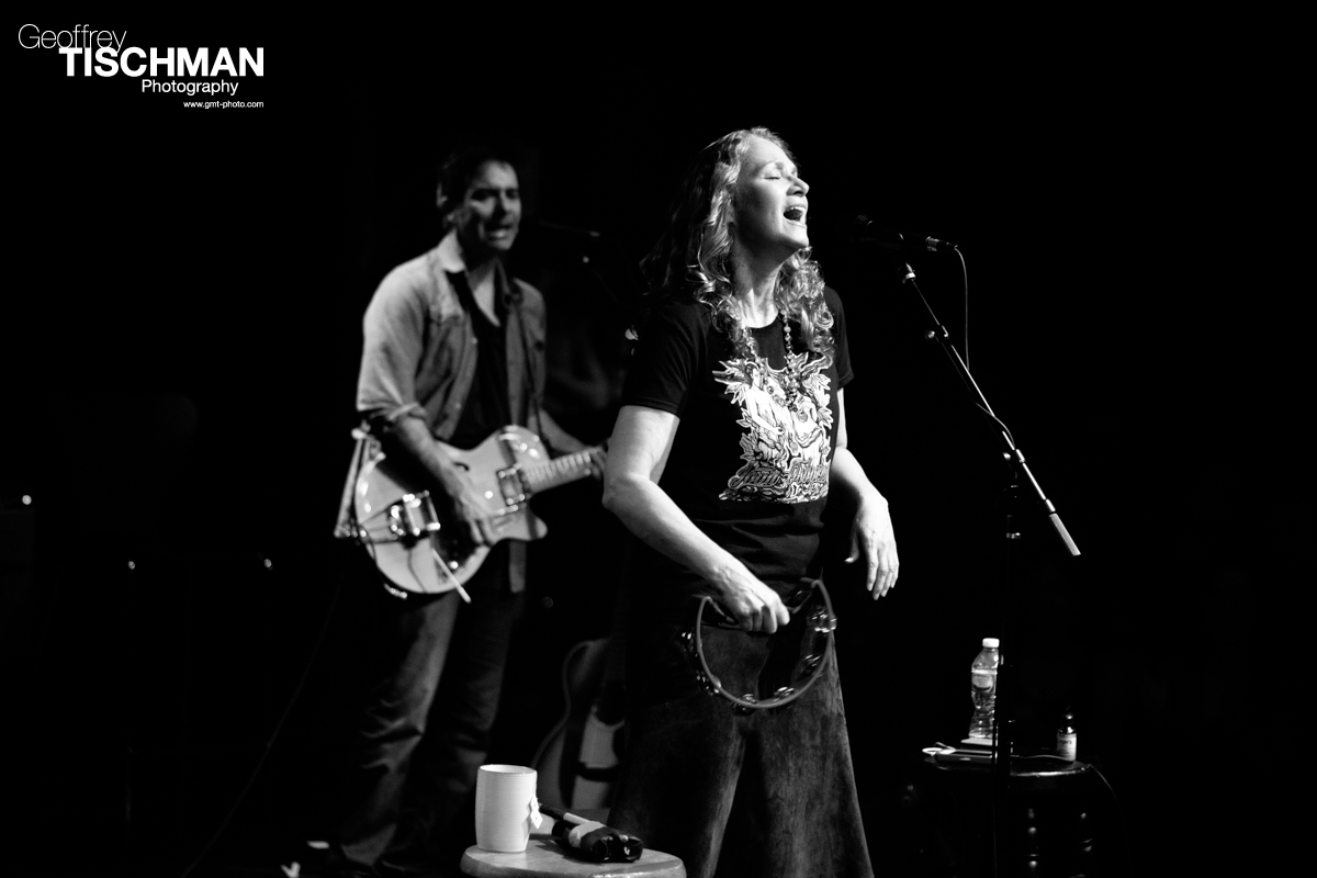 Joan Osborne Live At The Fairfield Theatre, Connecticut