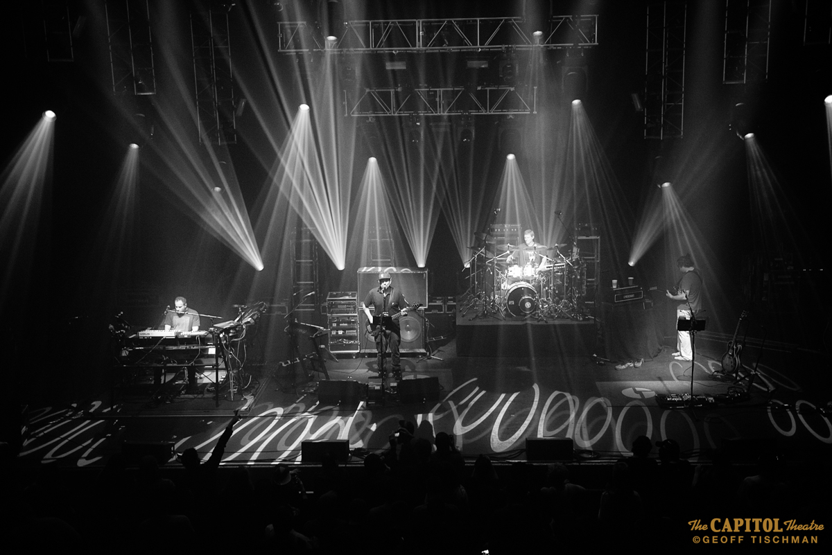 032516_DiscoBiscuits_46bw