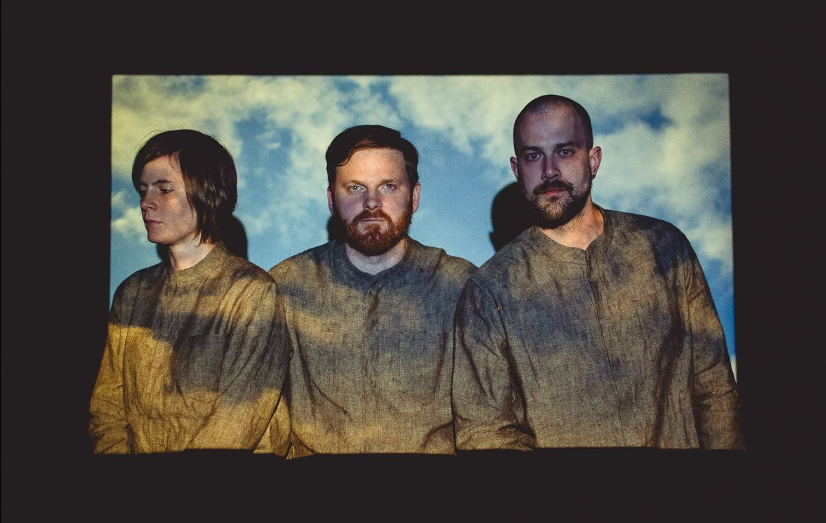"""Stereo Embers' EXCLUSIVE VIDEO PREMIERE – TENTS' """"Medicine"""""""